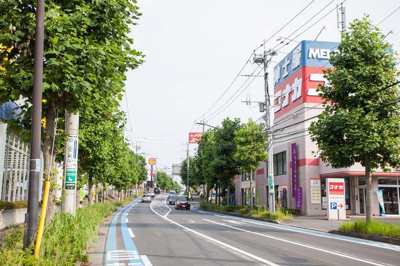 「おゆみ野バザール通り」には人気のショッピング施設が並ぶ