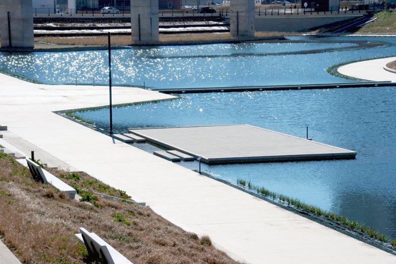 KASHIWANOHA T-SITE 親水ステージ