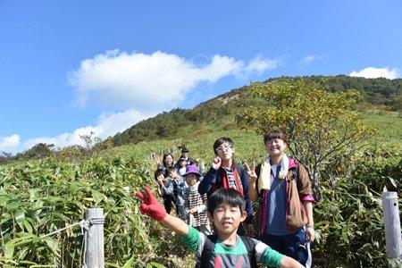 「理科の修学旅行」ではみんなで登山も!