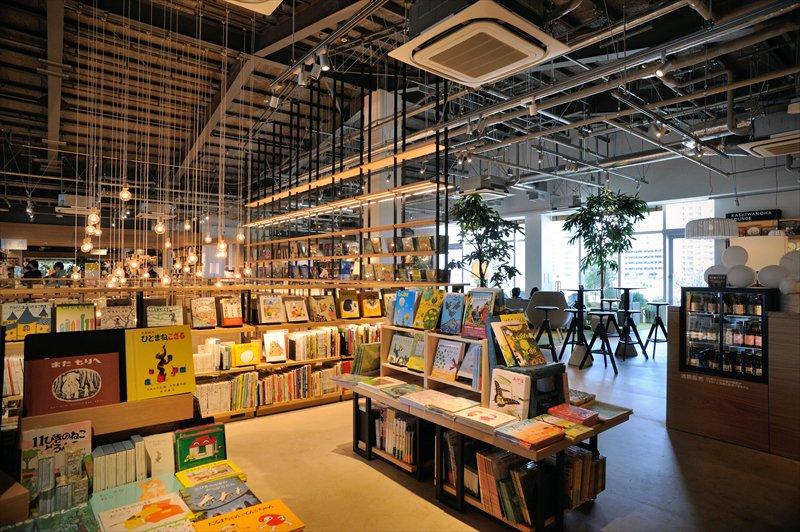「柏の葉T-SITE」2階の児童書スペース