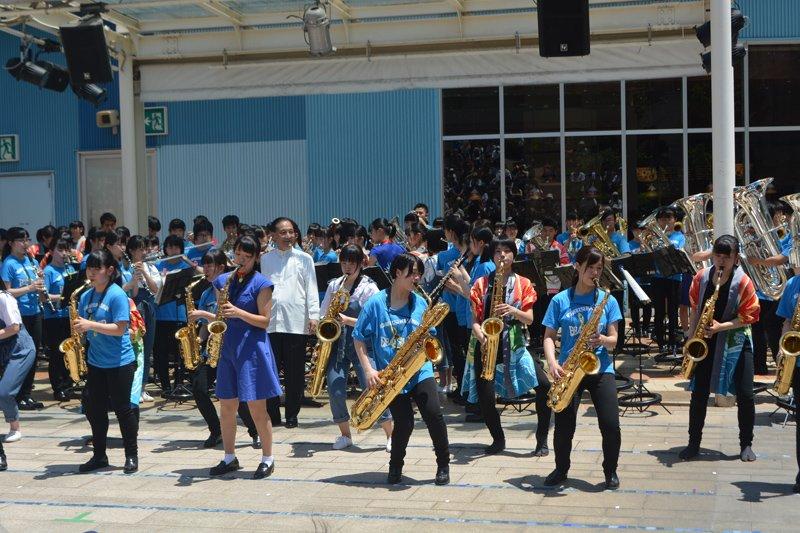 取材当日は「柏市立柏高等学校吹奏楽部」による演奏だった
