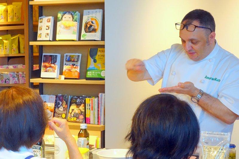 プロの技が学べる、フィリッポ先生によるイタリアン講座