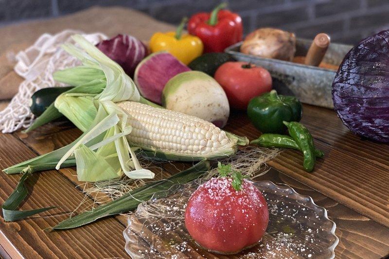 地元農家の朝採れ野菜を使用