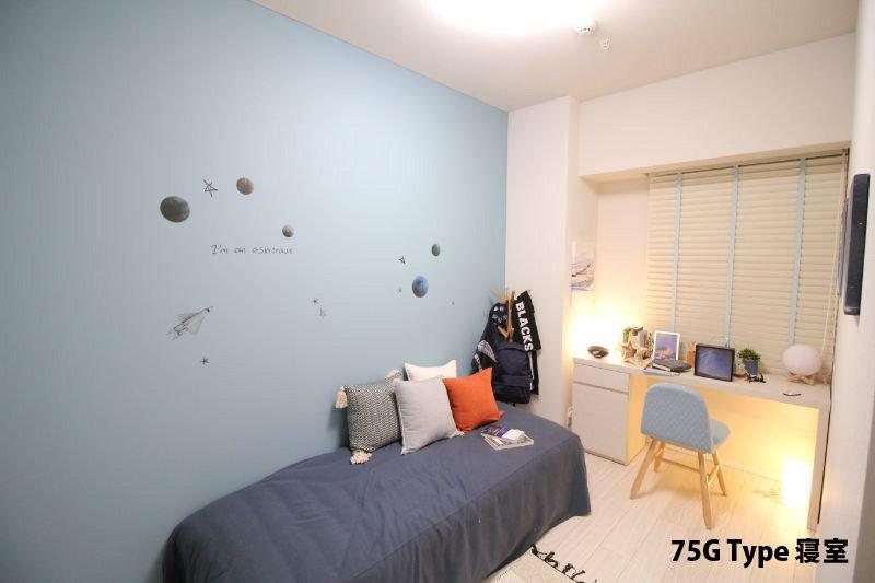 壁の一面だけ色を変えるアレンジもおしゃれ