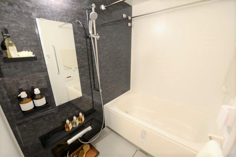 デザイン性も機能も優れたバスルーム